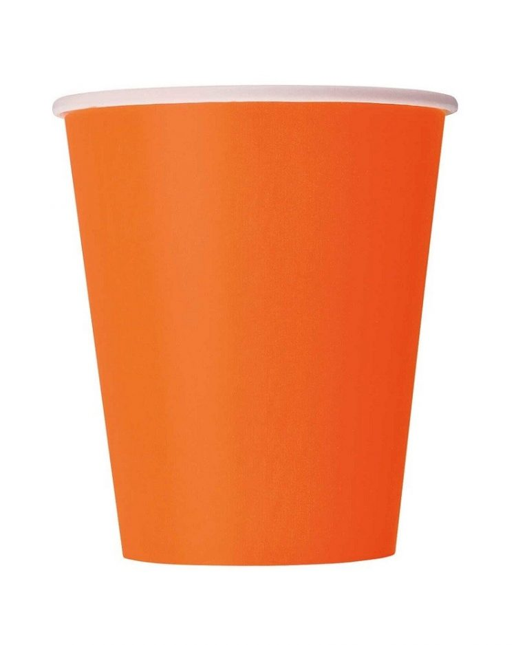 Oranssit pahvimukit